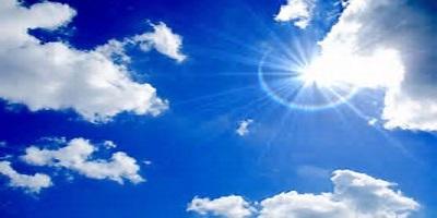 空と太陽の光